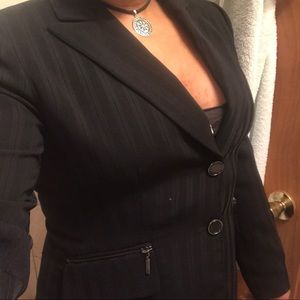 Tahari blazer / suit jacket
